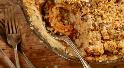 29 receitas de crumble que vão garantir um prato crocante e saboroso