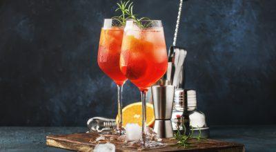 19 receitas de drinks com espumante que vão tornar seu dia uma festa