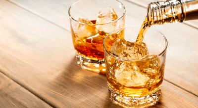 10 receitas de drinks com Jurupinga para uma bebida docinha e diferente