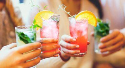 28 receitas de drinks com vodka para você provar e curtir com os amigos