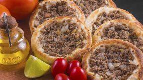 12 receitas de esfiha aberta para você aproveitar a culinária árabe