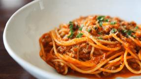 8 receitas de espaguete à bolonhesa dignas de um restaurante italiano