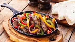 12 receitas de fajitas para oferecer um jantar mexicano em casa