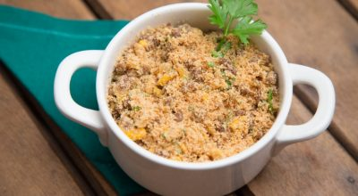 14 receitas de farofa simples que vão dar mais sabor ao seu prato