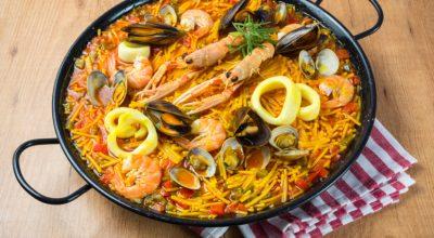 8 receitas de fideuà que trarão o gostinho da Espanha para a sua cozinha