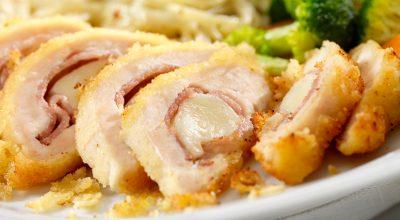 7 receitas de filé de frango recheado que deixam o simples de lado