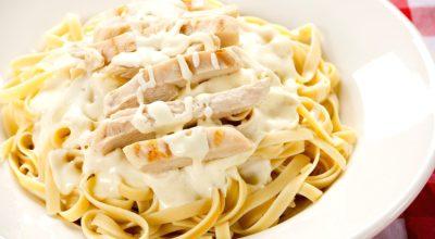 11 receitas de frango ao molho branco para provar essa ótima combinação