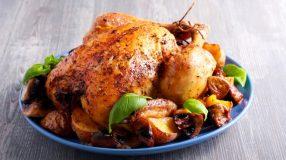 12 receitas de frango assado com batata suculentas e fáceis de fazer