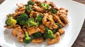 20 receitas de frango com brócolis que vão te conquistar