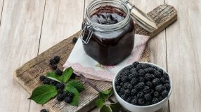 9 receitas de geleia de amora para incrementar o seu menu