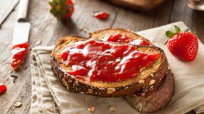 34 receitas de geleia de morango para se deliciar todos os dias