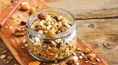 31 receitas de granola para uma refeição gostosa e rica em fibras