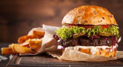 14 receitas de hambúrguer de costela extremamente suculentas