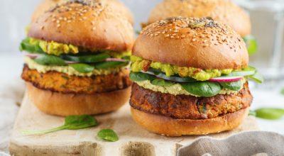 18 receitas de hambúrguer fit para meter o pé na jaca com consciência