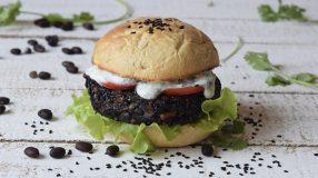 30 receitas de hambúrguer vegano impressionantes e irresistíveis