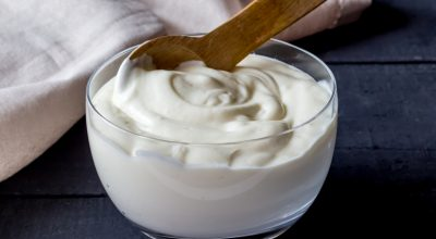 12 receitas de iogurte vegano para se deliciar sem restrições