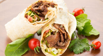 12 receitas de kebab para conhecer todo o sabor do churrasco grego