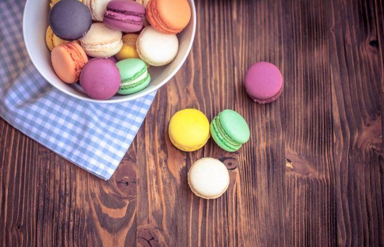 15 receitas de macaron para você se sentir em uma doceria na França