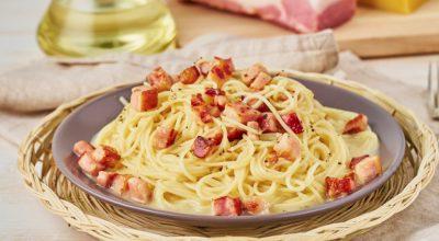 7 receitas de macarrão alho e óleo com bacon que precisam ser testadas