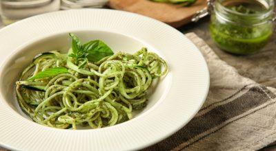 14 receitas de macarrão ao molho pesto para fazer um prato superprático
