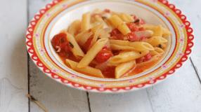 10 receitas de macarrão caprese para você se sentir um chef