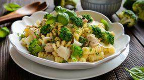 26 receitas de macarrão com brócolis para você surpreender a família