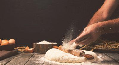 12 receitas de massa de pizza profissional para se sentir um especialista
