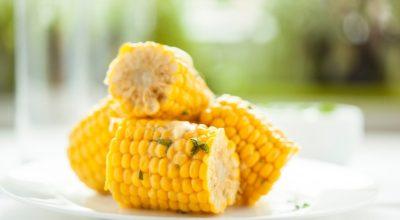 10 receitas de milho cozido que são ideais para complementar seu almoço