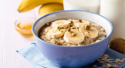 10 receitas de mingau de aveia com banana para crianças de todas as idades