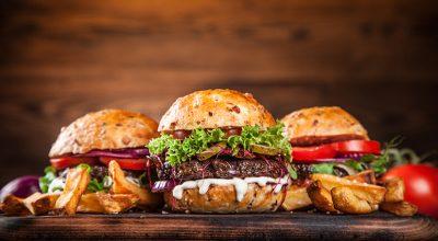 18 receitas de molho para hambúrguer para deixar o sanduíche mais gostoso
