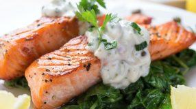 10 receitas de molho para salmão que garantem uma combinação perfeita