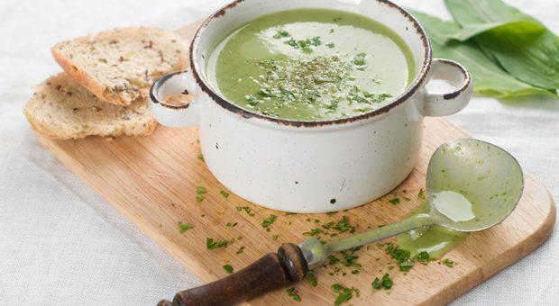 7 receitas de molho verde que vão turbinar seus lanches