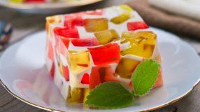 11 receitas de mosaico de gelatina para uma sobremesa fácil e divertida