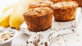 18 receitas de muffin de banana para um lanche delicioso