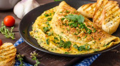 20 receitas de omelete com queijo para uma refeição prática e deliciosa