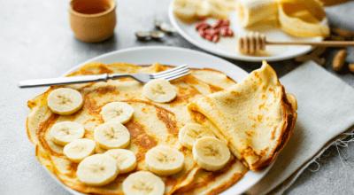 8 receitas de omelete de banana para saborear um lanche superprático