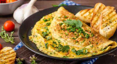 8 receitas de omelete de micro-ondas para facilitar a sua vida
