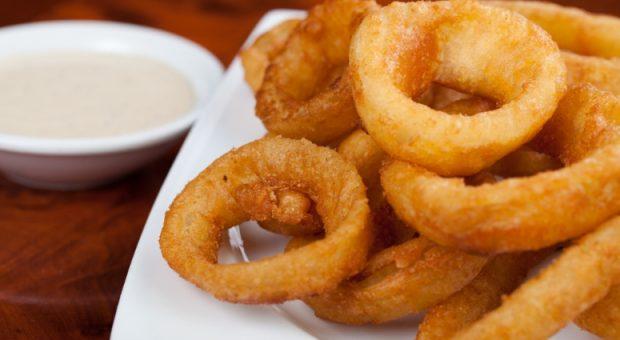 12 receitas de onion rings versáteis, fáceis e irresistíveis