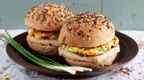8 receitas de pão de hambúrguer integral para um lanche mais saudável