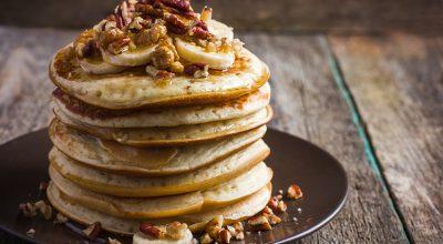 10 receitas de panqueca de batata doce que cabem na sua rotina