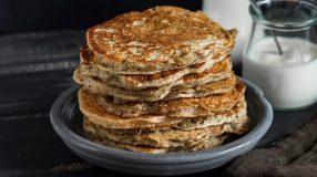 9 receitas de panqueca proteica para turbinar suas refeições