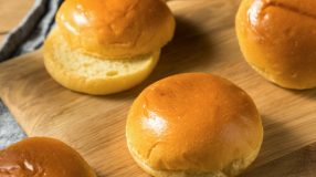 8 receitas de pão brioche para hambúrguer que são verdadeiras tentações