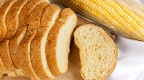 9 receitas de pão de milho de liquidificador fofinhos e saborosos