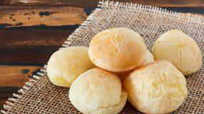 7 receitas de pão de queijo low carb para saborear sem culpa
