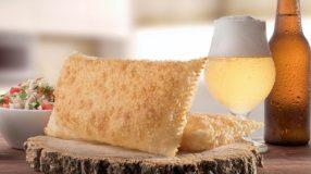 7 receitas de pastel de calabresa para acompanhar aquela cervejinha