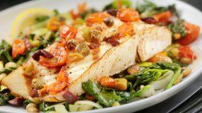 10 receitas de peixe assado com legumes que vão te conquistar