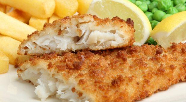13 receitas de peixe empanado para trazer o sabor da praia à cozinha