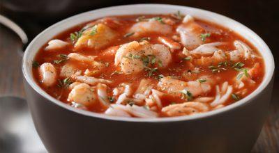 6 receitas de peixe ensopado que vão deixar seu dia todo especial