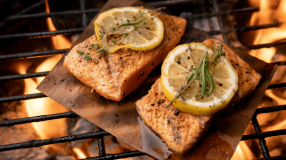 10 receitas de peixe na churrasqueira para servir um prato delicioso