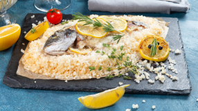 10 receitas de peixe na crosta de sal para aquele preparo de lamber os dedos